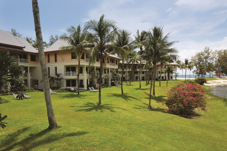 Outrigger Laguna Phuket Beach Resort: отель в Таиланде