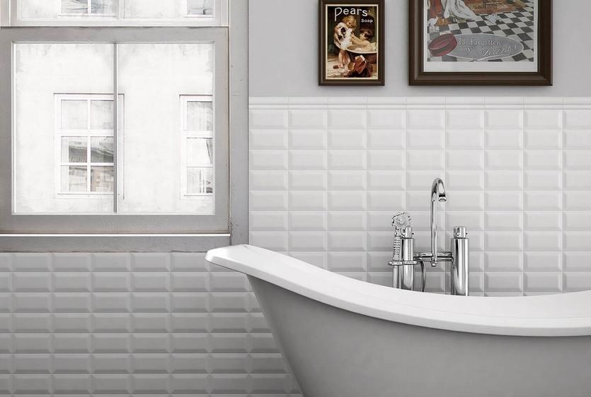 Белая плитка в интерьере ванной: 55 фото + советы по выбору и оформлению