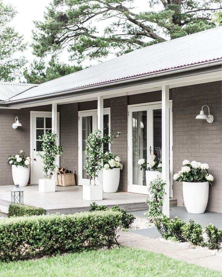 дизайн частного дома в белом цвете фото нужны