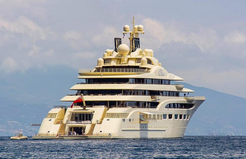 Как выглядят суперяхты шейхов и миллиардеров